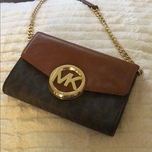 MK Cross Over purse